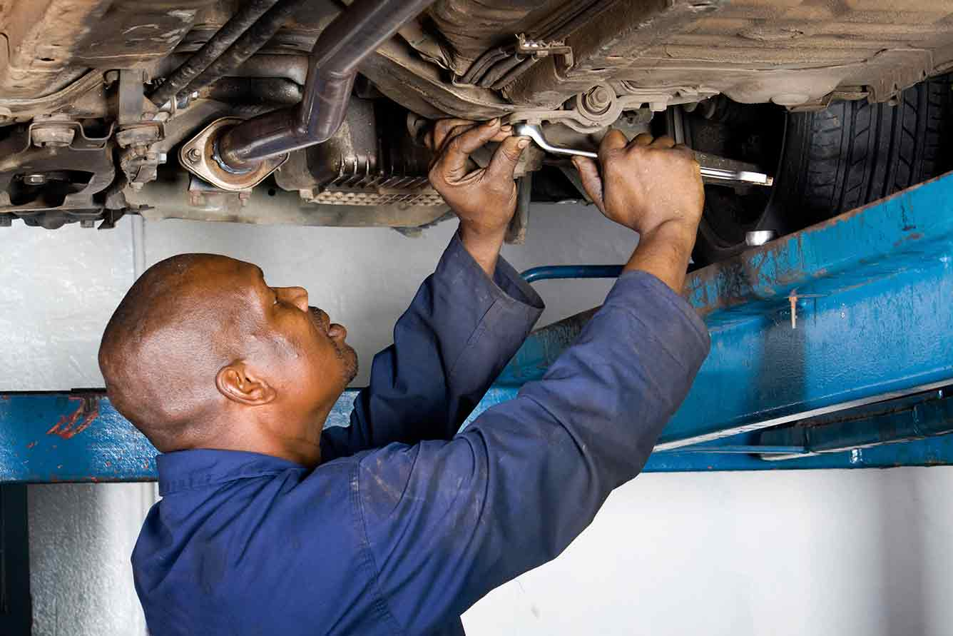 Signs Your Mechanic Is Cheating You