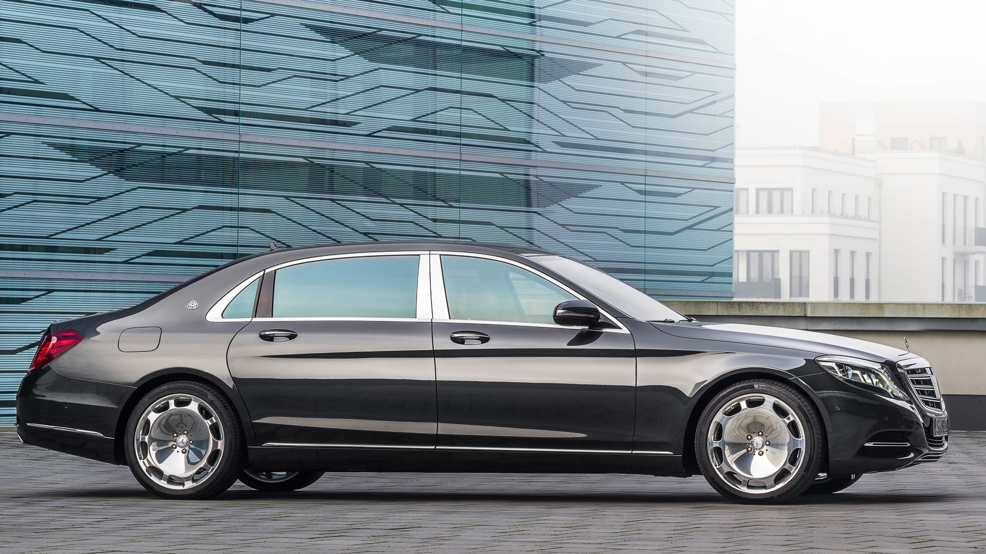weststar unveils new mercedes maybach s class. Black Bedroom Furniture Sets. Home Design Ideas