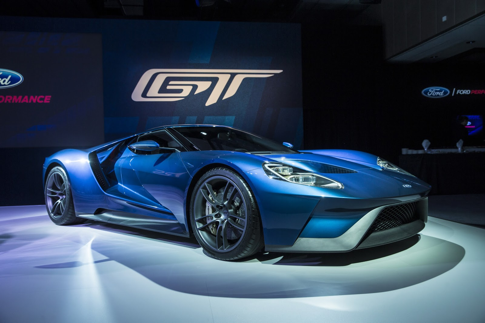 2017 Ford Gt 600 Plus Hp Hypercar Https Car Com Ng
