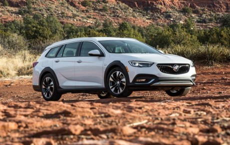 Buick Regal TourX 2020 Review
